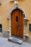 Estocolmo, Suecia, puerta principal antigua en la ciudad vieja Fotos de archivo libres de regalías