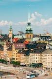 Estocolmo Suecia Vista superior escénica del paisaje urbano Aguja alta del ` alemán s de la iglesia o del St Gertrudis imagenes de archivo