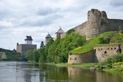 Estonia - Rusia. Fortaleza antigua Imagen de archivo libre de regalías
