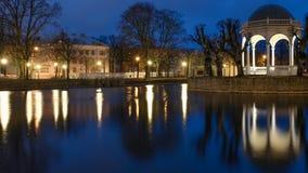 Estonia, Tallinn, pieza de Kadriorg en la noche Fotos de archivo libres de regalías