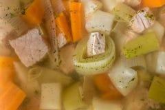 Estoque vegetal delicioso com pepinos cortados imagem de stock
