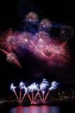 Estouro colorido dos fogos-de-artifício Foto de Stock