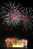 Estouro dos fogos-de-artifício fotos de stock royalty free