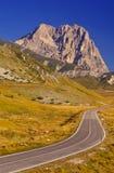 Estrada à montanha Fotos de Stock Royalty Free
