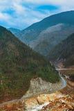 A estrada à natureza bonita foto de stock royalty free