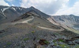 Estrada à passagem de montanha Imagens de Stock