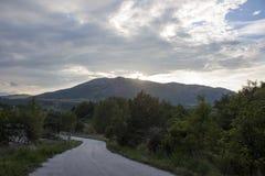Estrada às montanhas Imagem de Stock