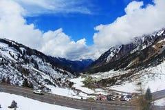 Estrada Áustria das montanhas dos cumes Imagens de Stock