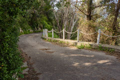 Estrada abaixo da montanha Fotografia de Stock Royalty Free