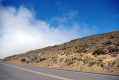 Estrada abandonada na região selvagem Fotos de Stock