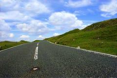A estrada adiante Imagens de Stock