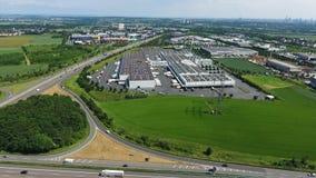 Estrada alemão e grande área industrial video estoque