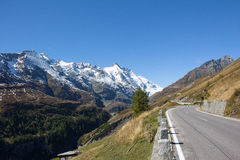 Estrada alpina alta Carinthia Áustria de Grossglockner Imagens de Stock Royalty Free
