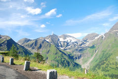 Estrada alpina elevada de Grossglockner. fotos de stock royalty free