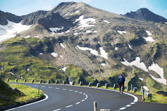 Estrada alpina elevada de Grossglockner. imagem de stock