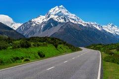 Estrada ao cozinheiro do Mt, Nova Zelândia imagem de stock royalty free