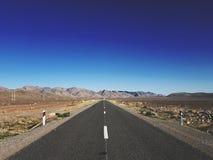 Estrada ao desconhecido Fotos de Stock Royalty Free