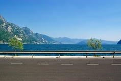 A estrada ao longo da costa Foto de Stock Royalty Free