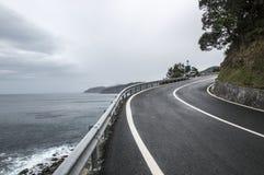Estrada ao longo do mar cantábrico Imagem de Stock