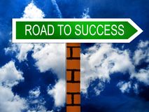 Estrada ao símbolo do sinal do sucesso Imagens de Stock Royalty Free