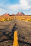 Estrada ao vale do monumento Fotos de Stock Royalty Free