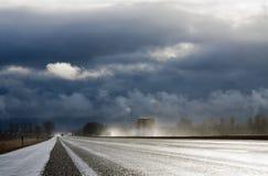 Estrada após uma chuva Imagens de Stock Royalty Free