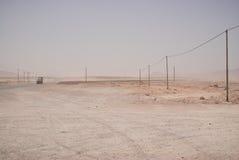 Estrada arenosa vazia em Irã central Fotografia de Stock