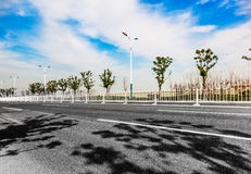 Estrada asfaltada foto de stock