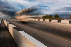Estrada asfaltada no borrão de movimento imagens de stock royalty free