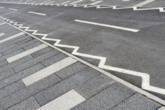 Estrada asfaltada para montar uma bicicleta Foto de Stock Royalty Free