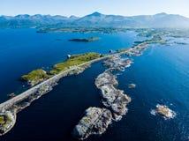 A estrada atlântica em Noruega imagem de stock