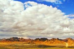 Estrada através do deserto Sinai no inverno Fotos de Stock Royalty Free