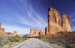 Estrada através do parque nacional dos arcos Foto de Stock