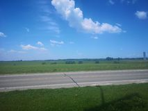 Estrada bluesky das nuvens da natureza fotos de stock