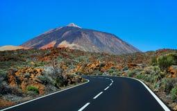 Estrada bonita da montanha em Tenerife Conceito do curso da estrada Aventura do curso de carro Fotografia de Stock