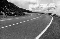 Estrada bonita da montanha em Tenerife Conceito do curso da estrada Aventura do curso de carro Imagens de Stock