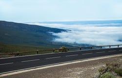 Estrada bonita da montanha em Tenerife Conceito do curso da estrada Aventura do curso de carro Imagem de Stock Royalty Free