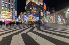 Estrada central do Kabuki de Shinjuku no Tóquio, Japão imagens de stock royalty free