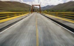 Estrada com borrão de movimento na natureza Foto de Stock