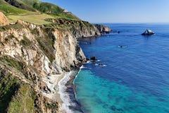 Estrada da Costa do Pacífico da rota 1 do estado do Oceano Pacífico - Califórnia - ponte próxima da angra de Bixby, área de Big S Foto de Stock Royalty Free