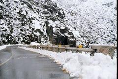 Estrada da montanha de Snowie Imagens de Stock