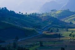 Estrada da montanha do país em nan Tailândia Fotos de Stock
