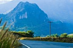 Estrada da montanha do país em nan Tailândia Imagens de Stock Royalty Free