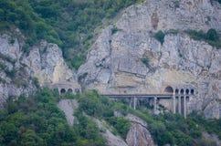 Estrada da montanha do túnel Fotografia de Stock