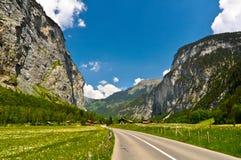 Estrada da montanha e paisagem bonita Imagem de Stock Royalty Free