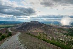 Estrada da montanha a Karabash imagens de stock