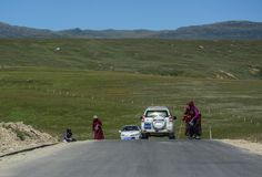 Estrada da montanha no tibetano de Kham imagem de stock
