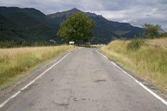 Estrada da montanha perto de Ainsa, Aragon, nas montanhas de Pyrenees, província de Huesca, Espanha Fotos de Stock Royalty Free