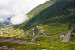 Estrada da passagem da montanha alta Imagens de Stock
