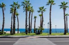 Estrada da praia ao longo do mar Mediterrâneo Fotografia de Stock Royalty Free